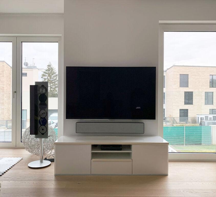 LG OLED TV 65″ + B&O Beosound Stage